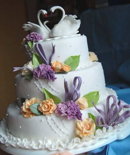 Весільний торт класичний